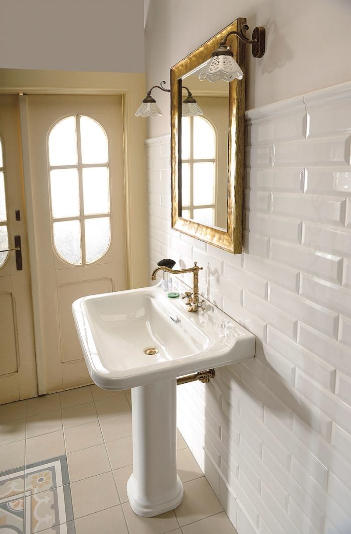 miroir doré rectangulaire décoration maison de campagne chic lavabo sur pied robinet or