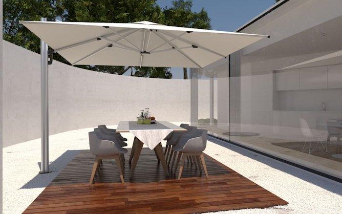 modele de parasol déporté blanc pour ombrager uneterrasse en bois exterieure