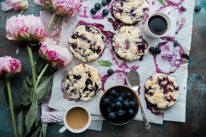 muffins myrtilles maison tout usage farine sucre beurre fondu café bouquet de fleurs cupcake maison