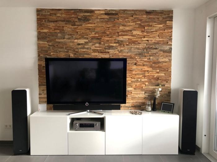 mur de parement derriere tv décoration salon blanc avec accents nature design intérieur aménagement