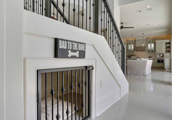 niche pour chien construction amenagement dessous escalier design intérieur conception ouverte