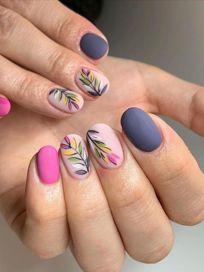 ongle de reve finition mate vernis dessin nail art facile fleur multicolore idée manucure courte