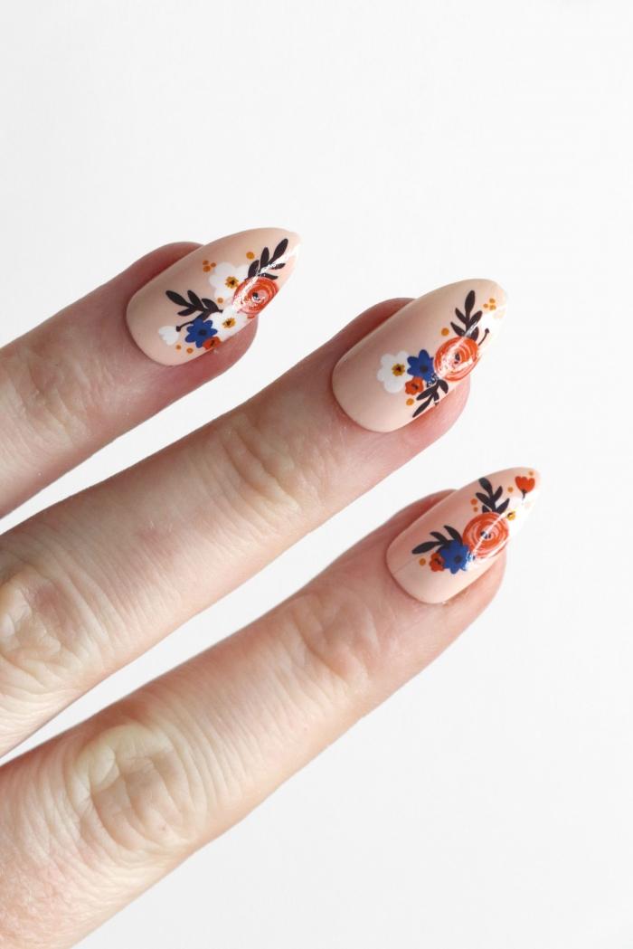 ongles longs manucure nude tendance nail art printemps ongle gel nude dessin facile fleurs
