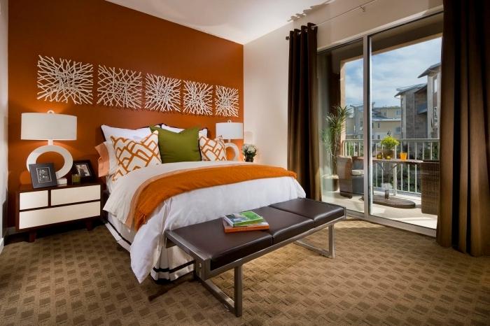 rideaux marron comment disposer 2 couleurs dans une chambre banquette cuir et métal panneaux décoratifs