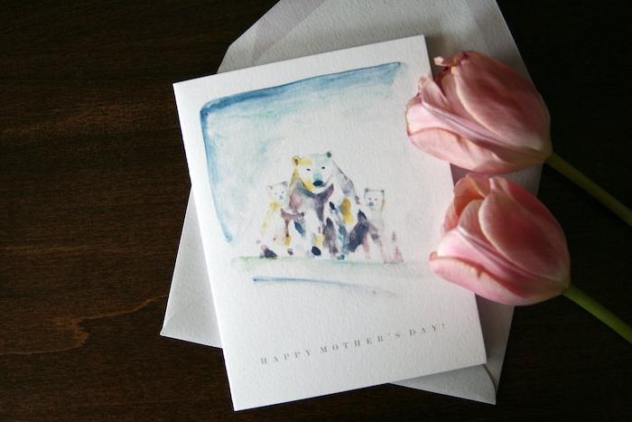 une idée de dessin pour maman avec des ours blancs sur une carte et deux tulipes roses