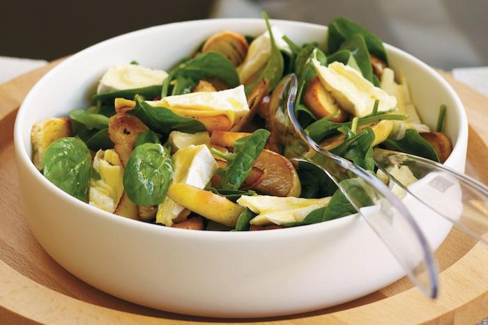 une recette avec camember pour salade avec des fruits et des epinards bebe copy