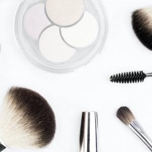 Les beaux jours arrivent: se mettre en beauté avec un maquillage léger