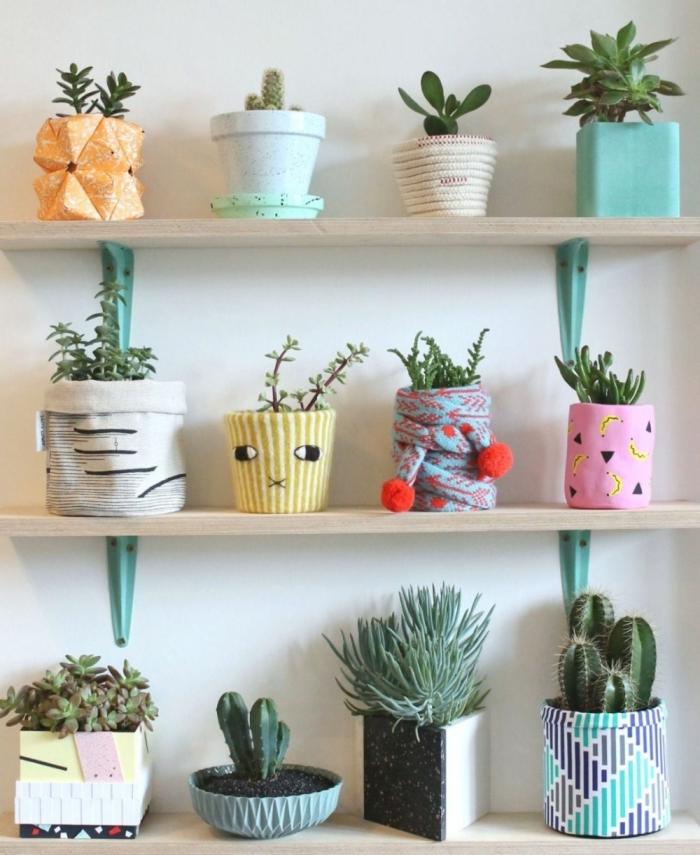 cache pot diy tissu coloré pot de fleur deco rangement étagère en bois faire cache pot facile