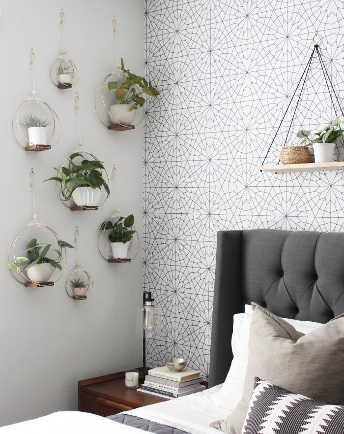 chambre a coucher papier peint a motifs tête de lit boutonnée gris anthracite decoration vegetale
