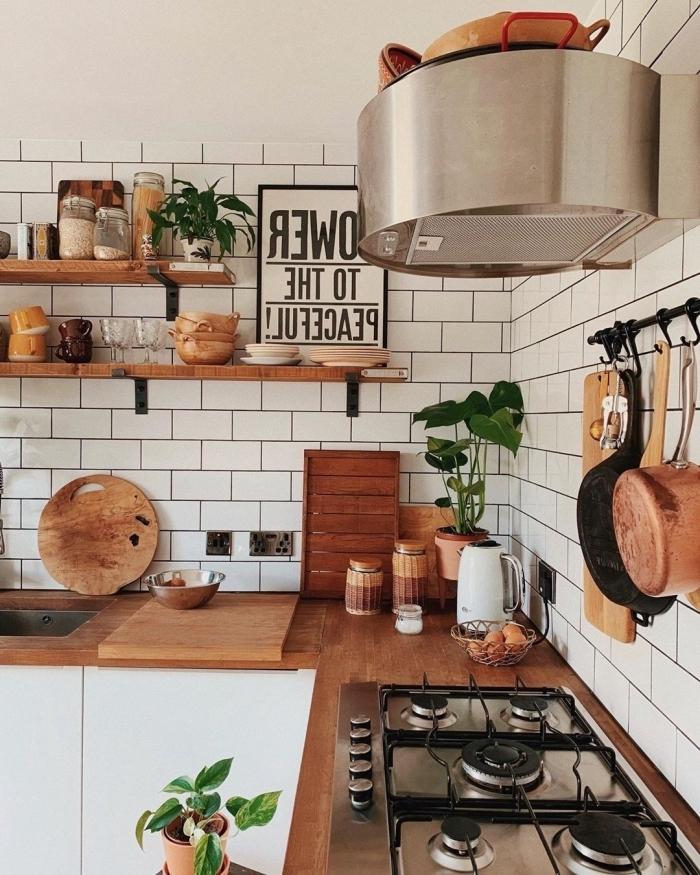 déco cuisine blanche plan de travail bois aménagement cuisine en l style boho moderne accents bois
