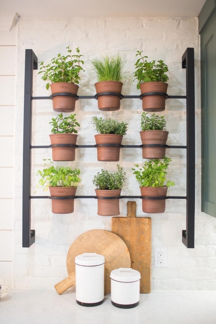 decoration murale fleur rangement plantes support métal pots de fleur terre cuite planche bois