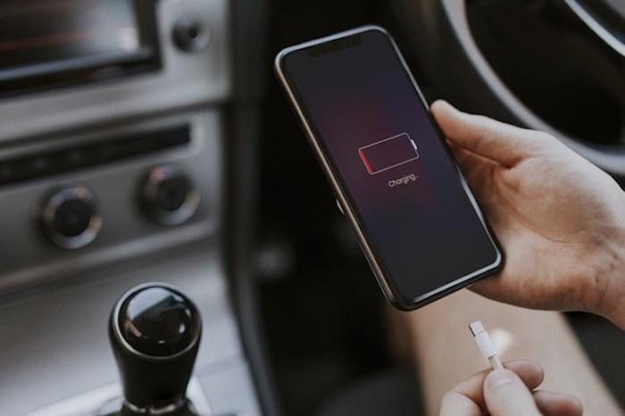 idée chargeur de voiture allume cigare comment charger son téléphone sans chargeur