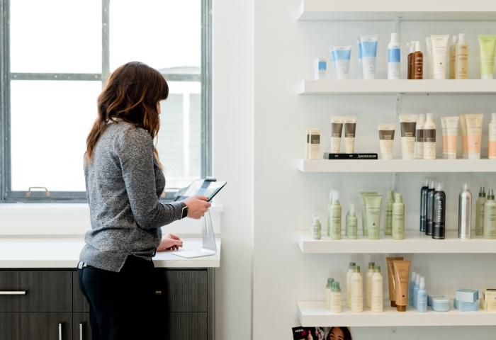produits cosmétiques soins rituels beauté cheveux apprentissage connaissance professionnel logiciel coiffeur