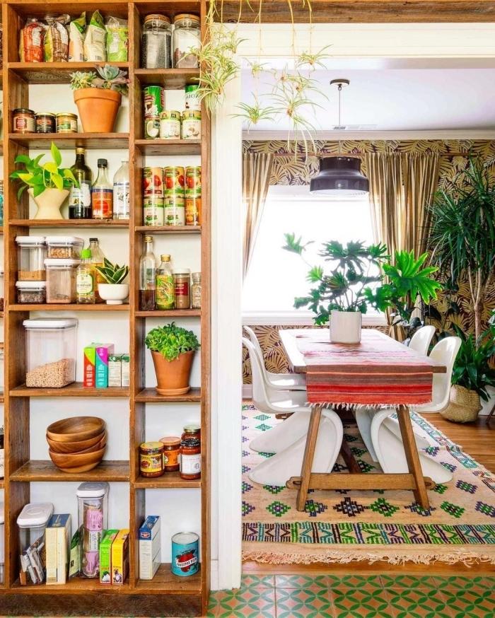 rangement vertical meuble bois étagère accessoires vaisselle bol bambou deco hippie chic pots ingrédients