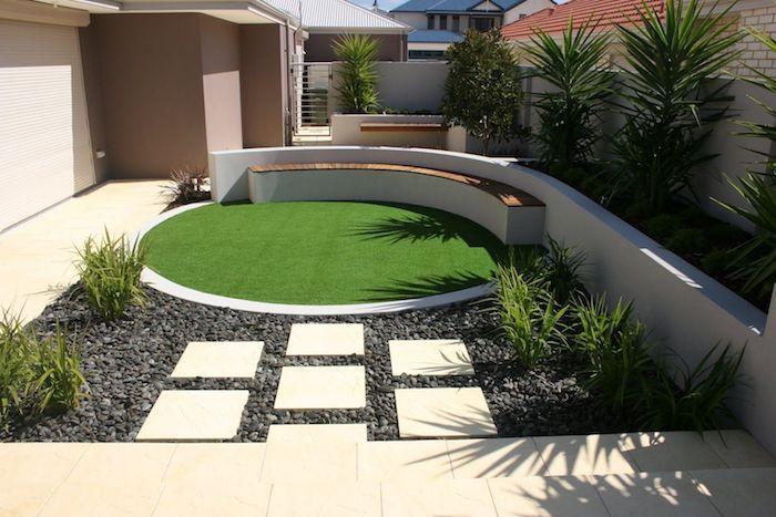 allée de jardin moderne en pierres et cailloux gris jardin avec gazonet banc eb bois