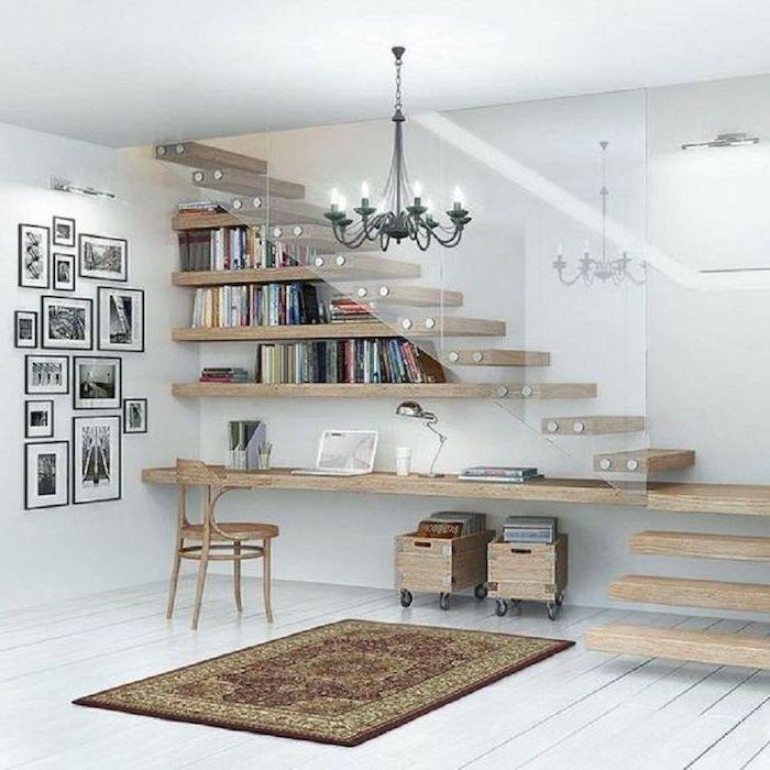 aménagement sous escalier ouvert en bois photos sur le mur blanc style moderne caisses en bois tapis lustre noir