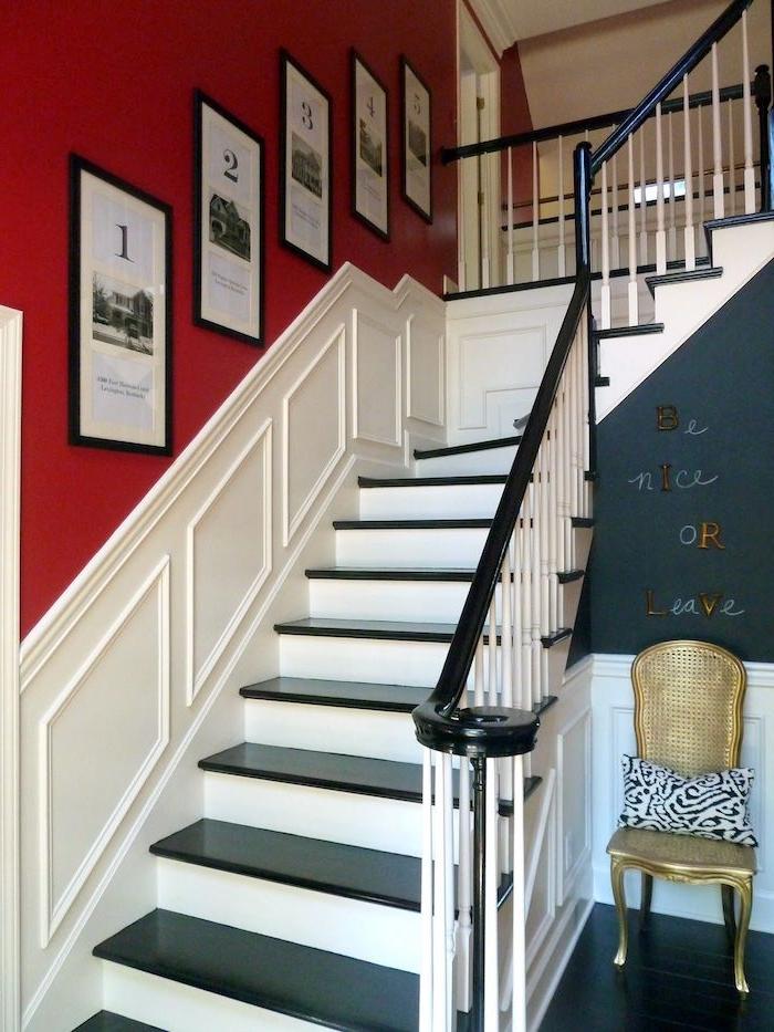 comment peindre une cage d escalier en 2 couleurs rouge et blanc marches noires chaise dorée coussin en noir et blanc