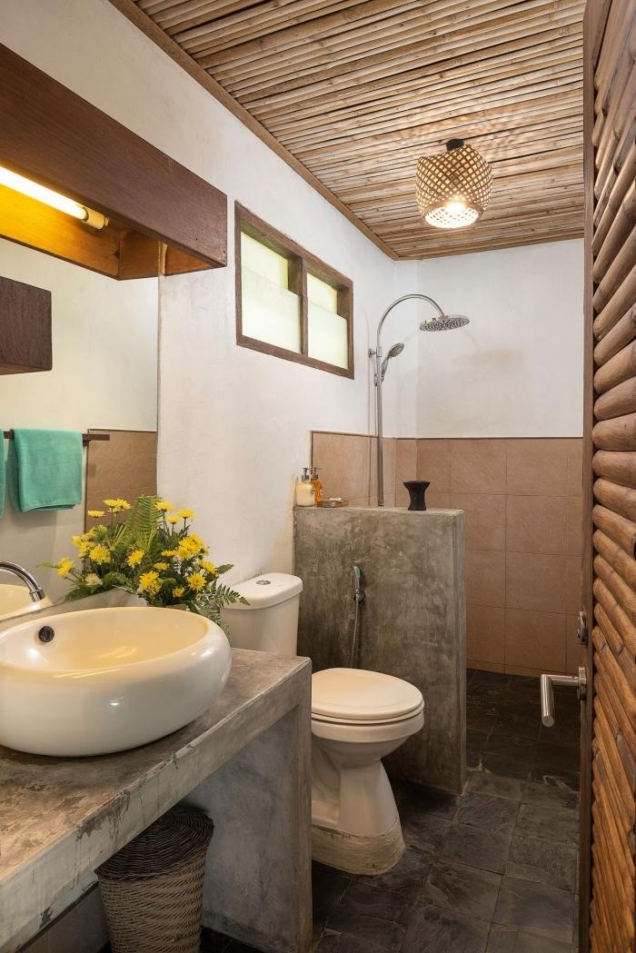 deco toilette bois douche béton évier ovale comptoir marbre panier tressé lampadaire rotin
