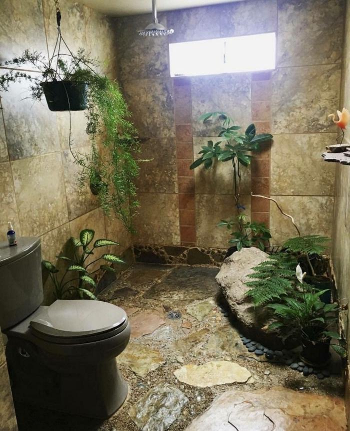 deco wc zen revetement mural dalles effet pierre plantes vertes d intérieur fenêtre douche