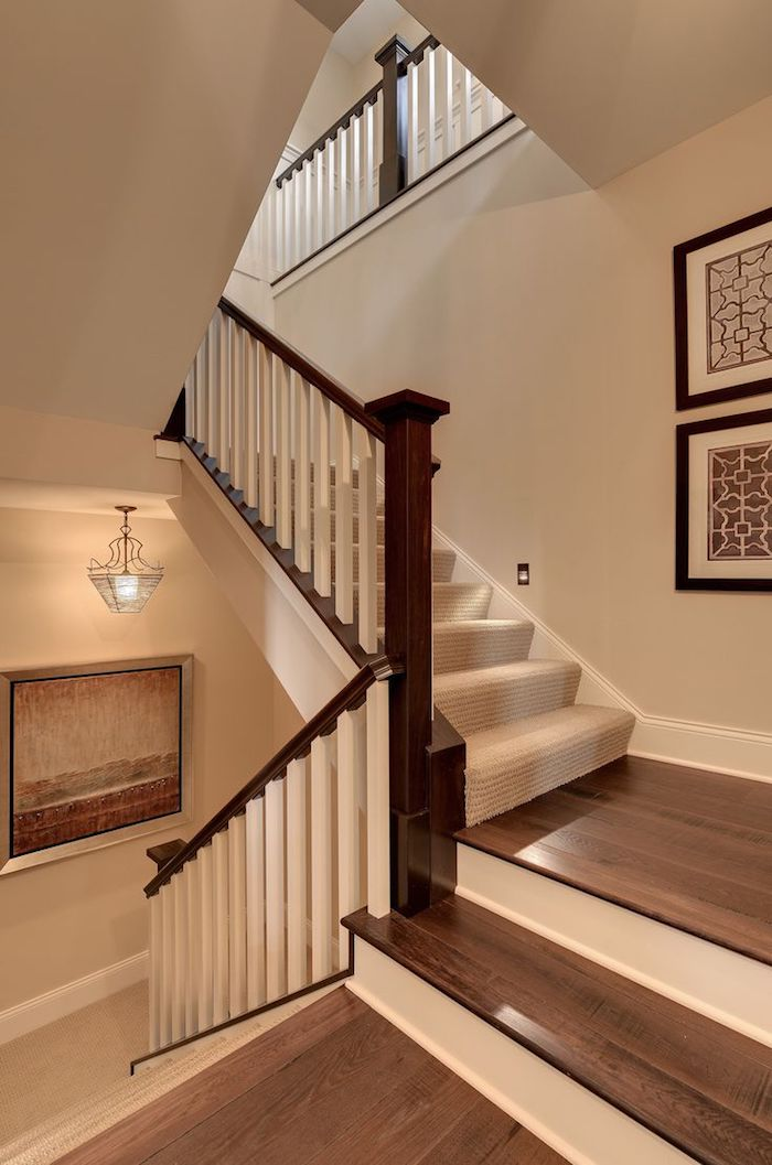 peindre une cage d escalier quelle couleur mur neutre marches et garde corps en bois