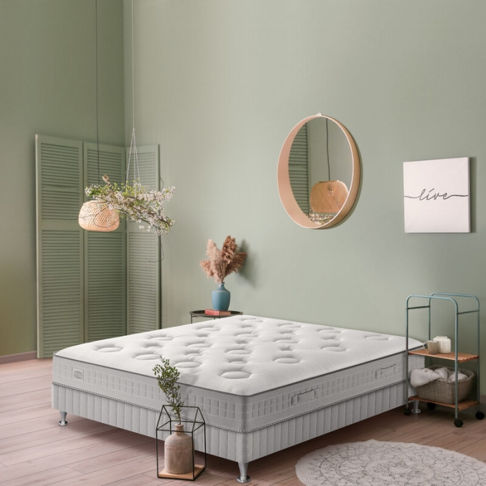 peinture verte choix matelas hybride ressorts mousse mémoire miroir rond bois tapis blanc