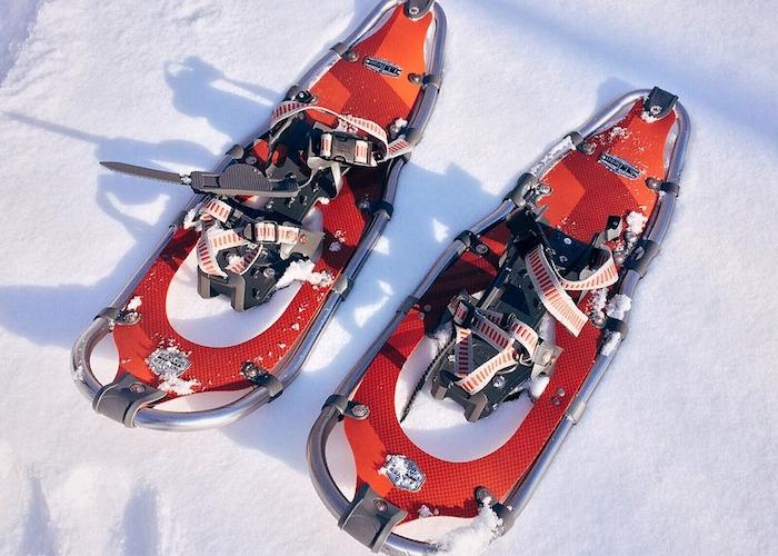 raquettes à neige comment choisir son équipement pour sport à glisse d hiver