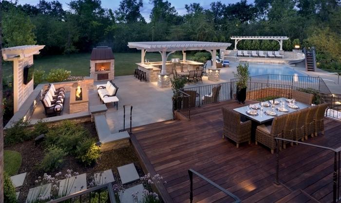 revetement terrasse bois foncé cuisine d été en bois meubles de jardin rotin cuisine couverte inox