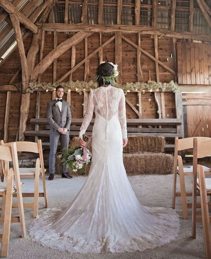 robe boheme mariage en dentelle cérémonie au style bohème cheveux en chignon