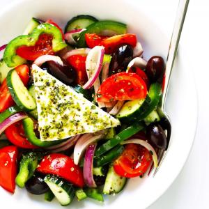 Salade grecque - le repas estival par excellence