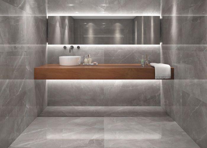 salle de bain en pierre de marbre gris miroir horizontal meuble en bois massif style épuré