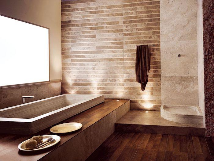 salle de bain travertin et bois baignoire en travertin plancher en bois