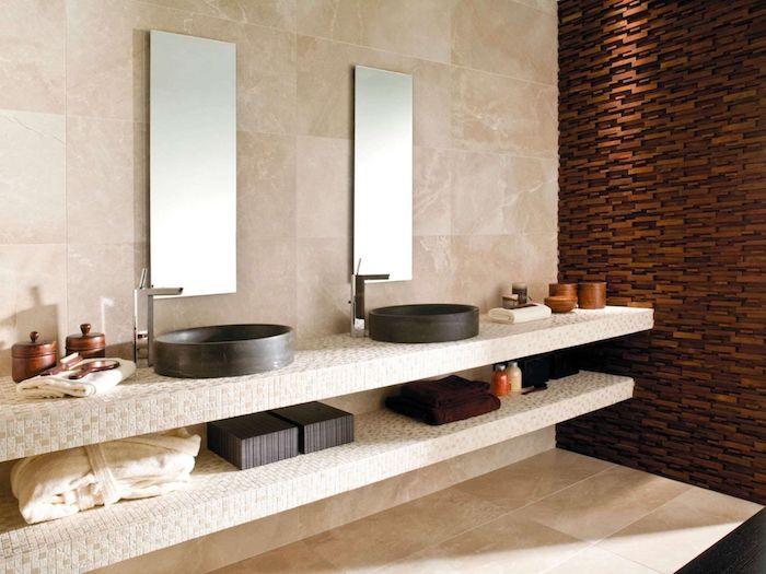 salle de bain travertin et noir style épuré mur en bois meuble sous évier en pierre