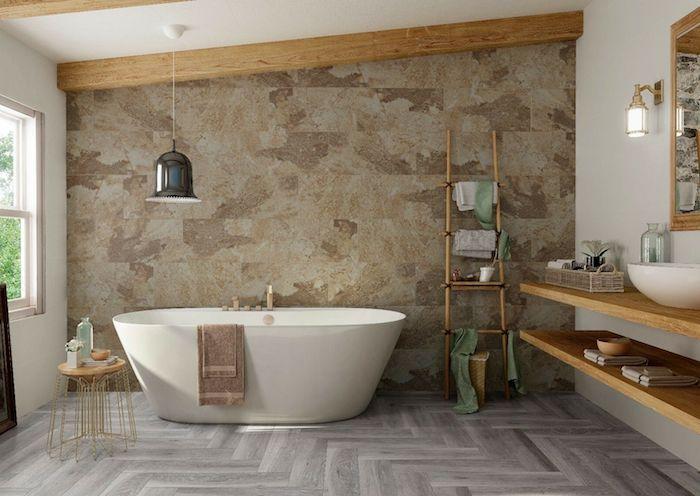 salle de bain travertin moderne echelle en bois meuble sous evier en bois poutres boisés