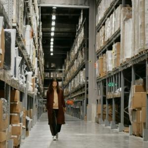 Entrepôt logistique : guide et astuces pour choisir le meilleur abri pour ses marchandises