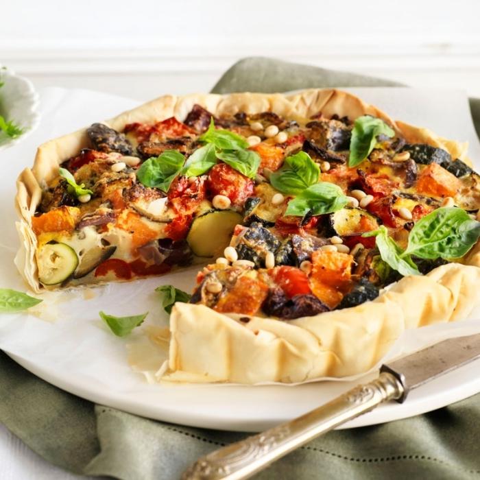 tarte courgette chevre pâte feuilletée recette rapide et facile avec légumes haricots feuilles basilic