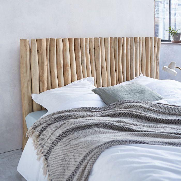 tête de lit bois flotté clair style boho rustique mur gris