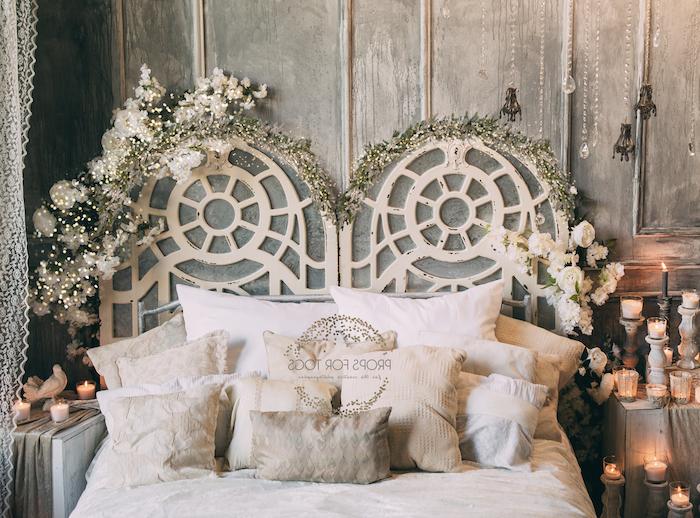 tete de lit originale balnche decorée de guirlandes lumineuses deco cosy