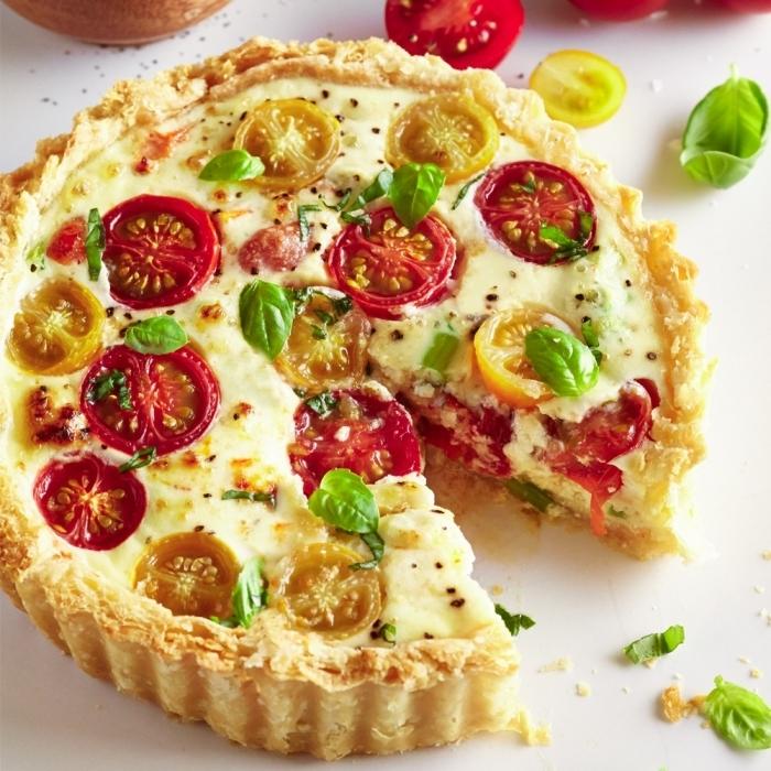 tomates cerises feuilles de basilic frais tarte fine salée farine oeufs fromage blanc légumes