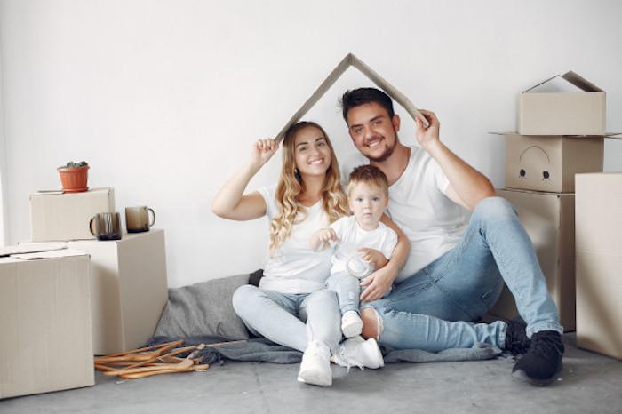 trouver sa première maison appartement cartons remplis d affaires offre immobilière