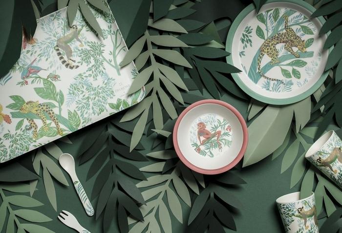 vaiselle enfants motifs animaliers décoration table feuille en papier vert produits cuisine degrenne déco de table au top