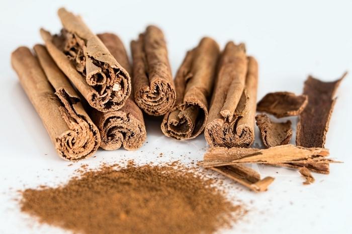 anti fourmi naturel ingrédient cuisine bâtons de cannelle en poudre rèmede insectes odeurs fourmis