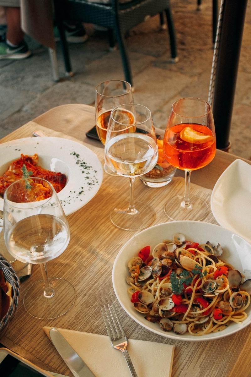 apero italien table diner romantique été fruits de mer sauce tomate