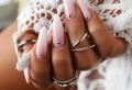 Les ongles baby boomer : la tendance phare de l'année 2021