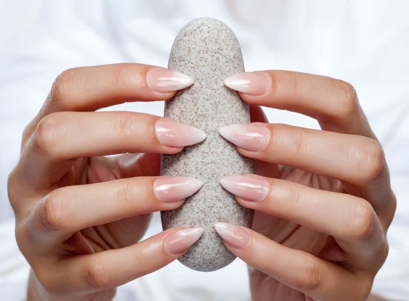 baby boomer ongle formes ongles longs manucure french degradé nude