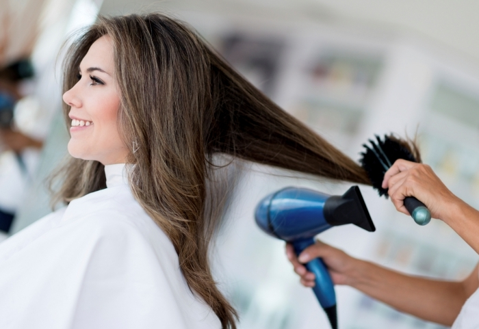 brushing ondulé conseils techniques stylisation cheveux séche cheveux brosse mèches cheveux balayage naturel