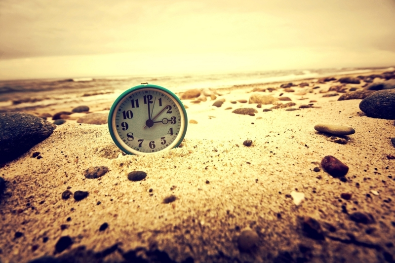 combien de temps au soleil pour bronzer une montre sur le sable