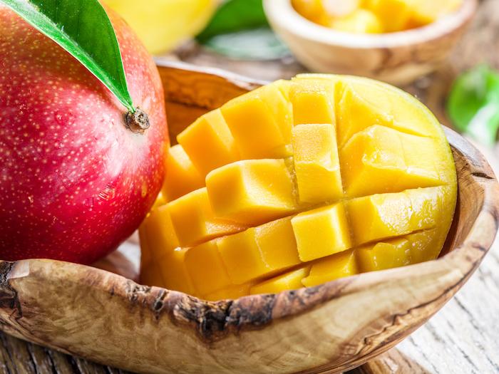 comment-dénoyauter-une-mangue-servir-une-mangue-d-une-manière-originale