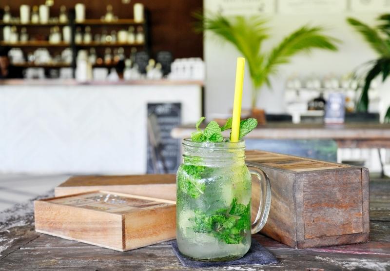 comment faire un mojito sans alcool jar cocktail verre feuilles menthe