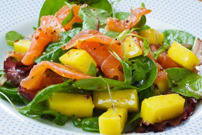 comment manger une mangue en salade exotique nutritive et healthy
