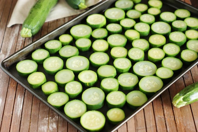 congeler les courgettes en une seule couche méthode congélation légumes saisoniers